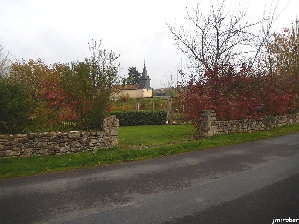 Rilhac-Lastours  XVIIe son château…....MMXV,elle a son sentier de randonnée «la citoyenne»