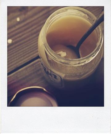 Granola au miel de lavande et aux pépites de chocolat blanc