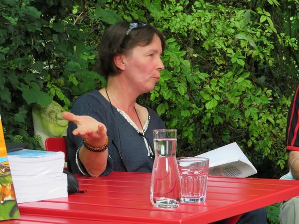 """""""Régénérer la biodiversité"""", un entretien avec Cécile Waligora, à la Galerie des Z'uns Possible à Chamesson"""