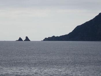 Sur le sentier littoral, zoom sur les Deux Frères