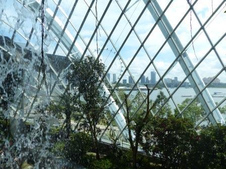singapour - achitecture moderniste et nature domestiquée
