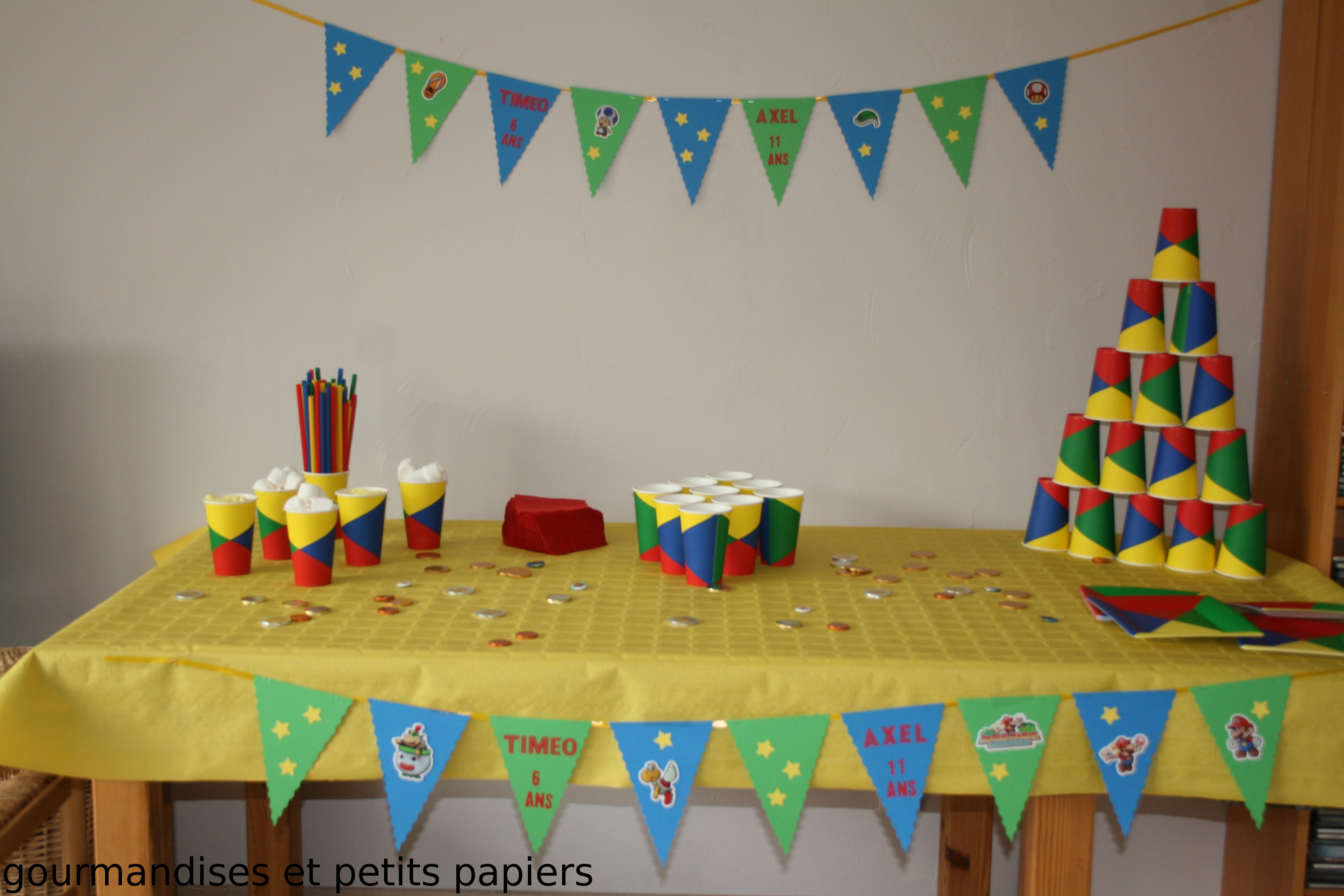 sweet table d 39 anniversaire theme mario gourmandises petits papiers. Black Bedroom Furniture Sets. Home Design Ideas