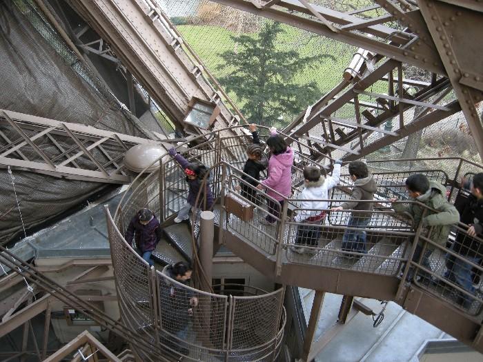 Quelques escaliers dans le monde au fil de l 39 aisne - Escalier de la tour eiffel ...