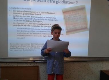 Alexandre présente les gladiateurs