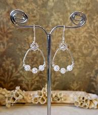 Boucles pierres anneaux et gouttes