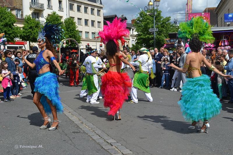 Rambouillet : Fête du Muguet : défilé (3)