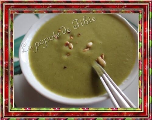 Soupe froide de courgette /menthe / basilic