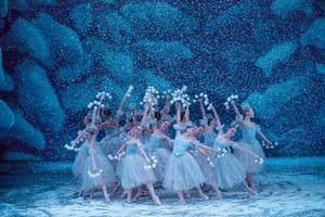 dance ballet snowflakes ballet snow