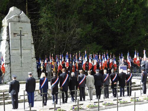 Plateau des Glières et cimetière de Morette