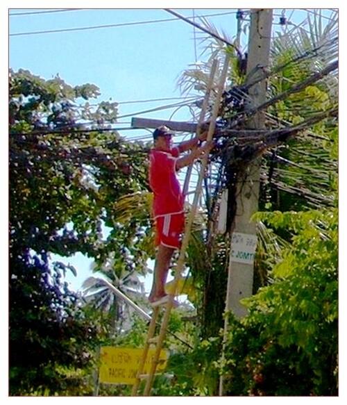 L'homme qui marchait sur les câbles.