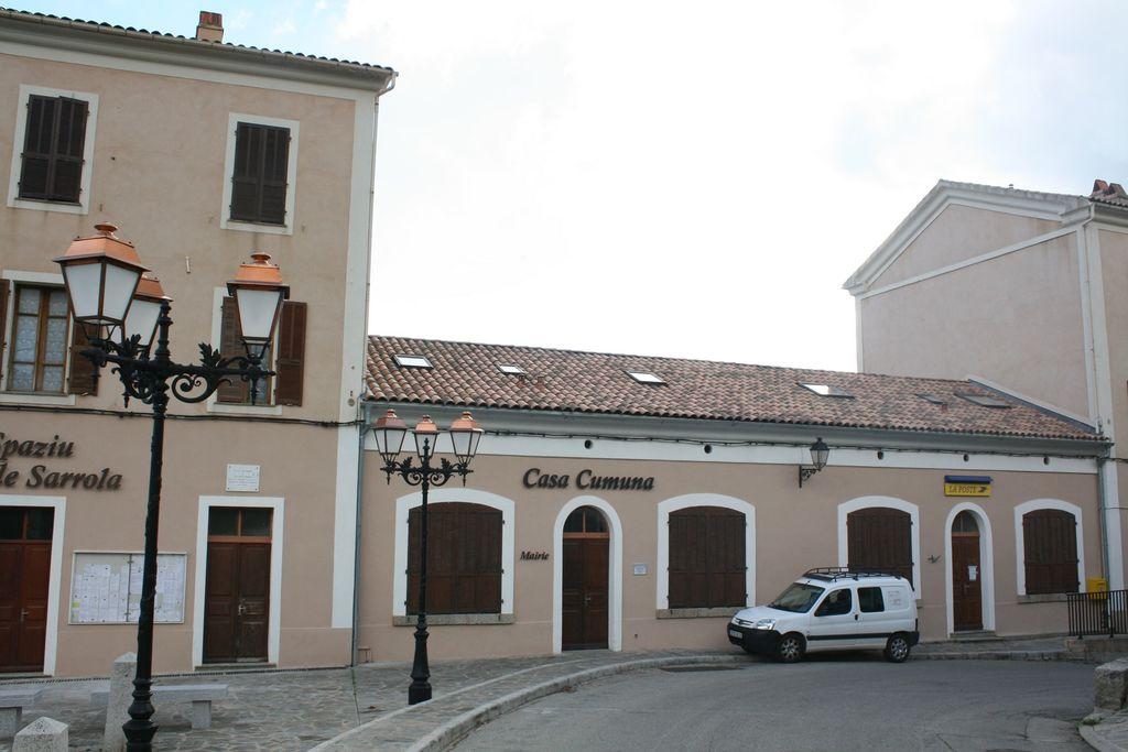 2A271 - Sarrola-Carcopino-Mairie.jpg