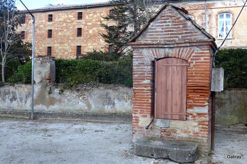 Vallègue en 31: église et château … n 2