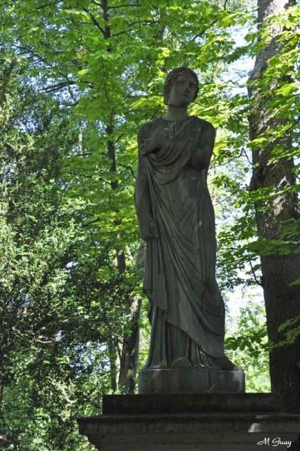 Plautilla-statue-1542