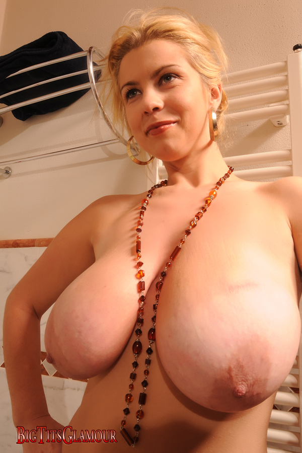 BigBoobs - Roxy Campbell - 2 -
