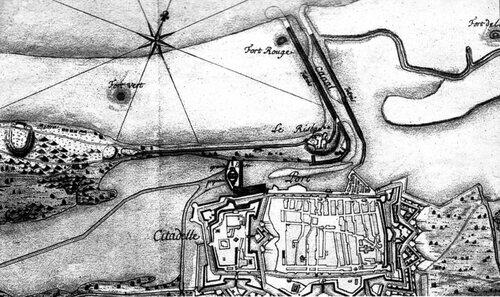 La mer montait jusqu'aux remparts du fort Risban