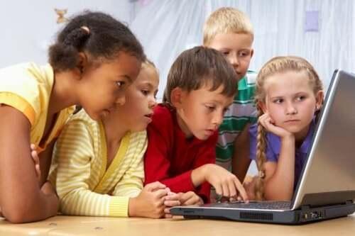 une boîte à outils pour éduquer les enfants à la sécurité sur Internet