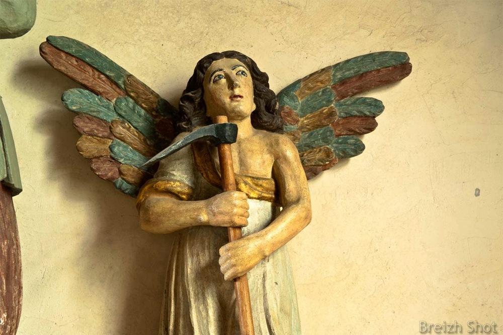 Ange à côté de Saint-Isidore - Le Vieux Marché