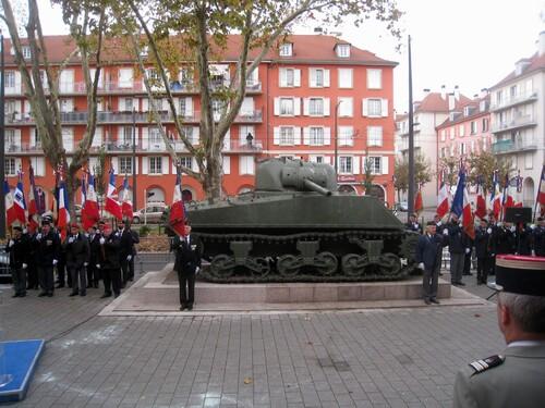 * Commémoration à Strasbourg avec dépôt de gerbes devant le char Zimmer et la plaque du Père Houchet