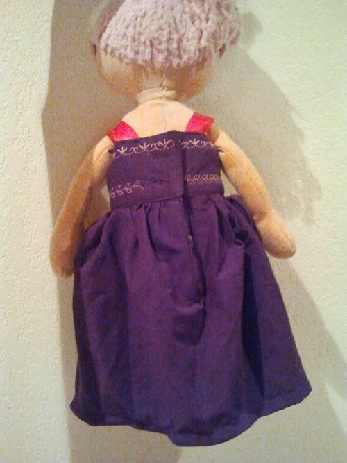 Robe de poupée en récup