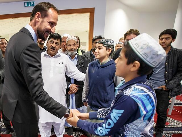 Hakoon à la mosquée