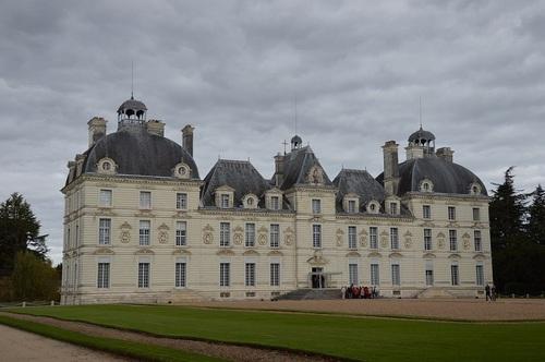 ... un château, assez connu...