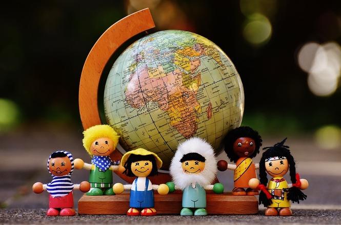 Poèmes de pays divers :100 poèmes du monde pour les enfants ( L'enfant)