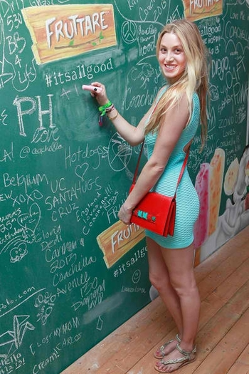 Whitney+Port+Fruttare+Hangout+Coachella+Day+WVxX3pCdL_ol