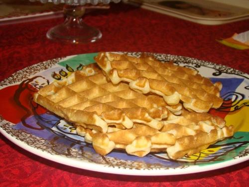 Rcette de gaufres (comme à la foire!!!) et smoothie à la banane et lait de coco.
