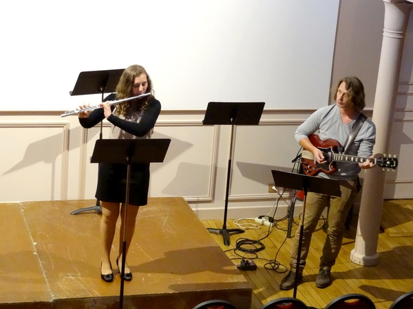 Un merveilleux récital de flûtes par les élèves de l'Ecole Municipale de Musique....