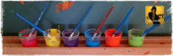 Un atelier peinture : tamponner, faire une empreinte