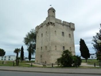285-tour à port saint louis du rhone