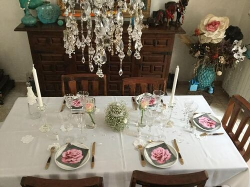 Table roses et dentelles