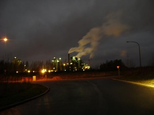 photo de nuit d'usine