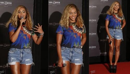 Beyoncé à la conférence de Presse « Mrs. Carter » au Brésil !