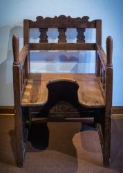 Chaise d'accouchement alsacienne (XIXe siècle)