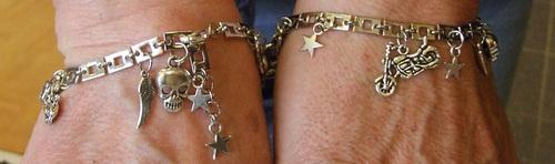 Bracelet biker avec harley, étoiles, têtes de mort et ailes d'ange