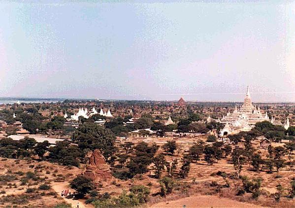 Vue aérienne de Pagan (Birmanie)