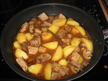 Wok de Porc aux Pommes de terre et Champignons