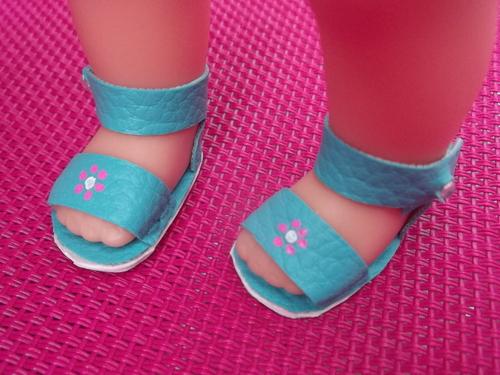 Des soldes et des chaussures mini corollines