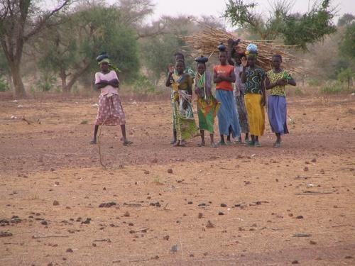 Jeunes filles de Kalon Motta