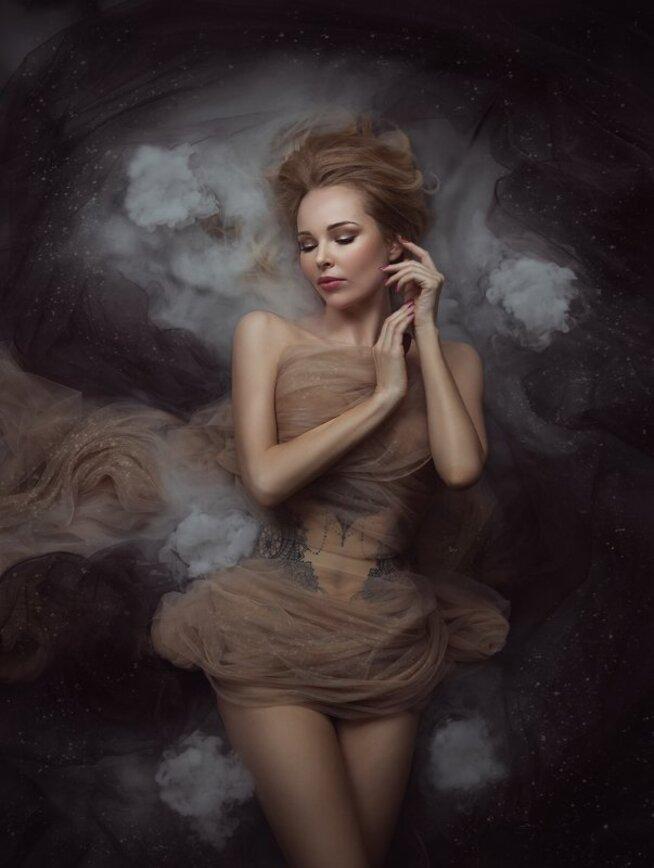 Portrait de femme by Valentina Popova