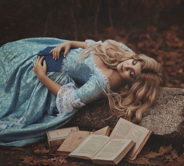 Fairy Cave, créatrice de mode