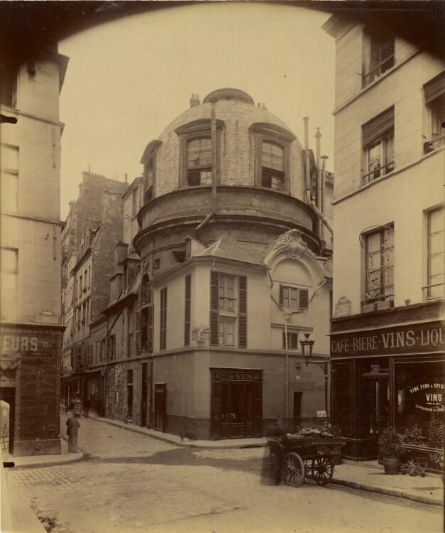 Atget Paris Ancienne ecole de Medecine 627x750 Le Paris de 1900 par Atget