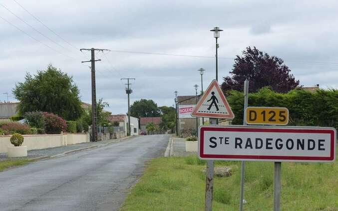 """Résultat de recherche d'images pour """"Sainte-Radegonde 17"""""""