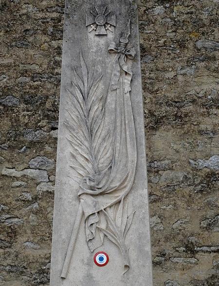 Quelques œuvres du sculpteur Léopold Argenton....