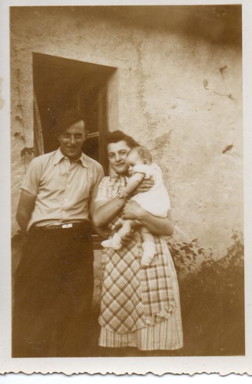 Sur Le Chemin de L'école en 1950