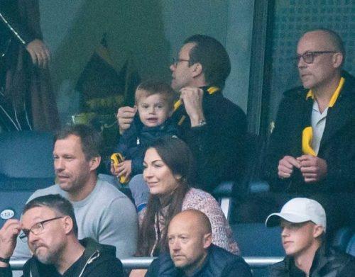 Daniel et Oscar de Suède à un match