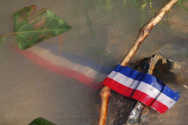inon-a-drapeau-18-mars-11-