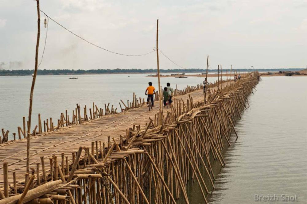 pont  bambou de Koh Paen à Kampong Cham - Retour sur l'île
