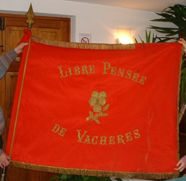 drapeau LP Vachères.2JPG